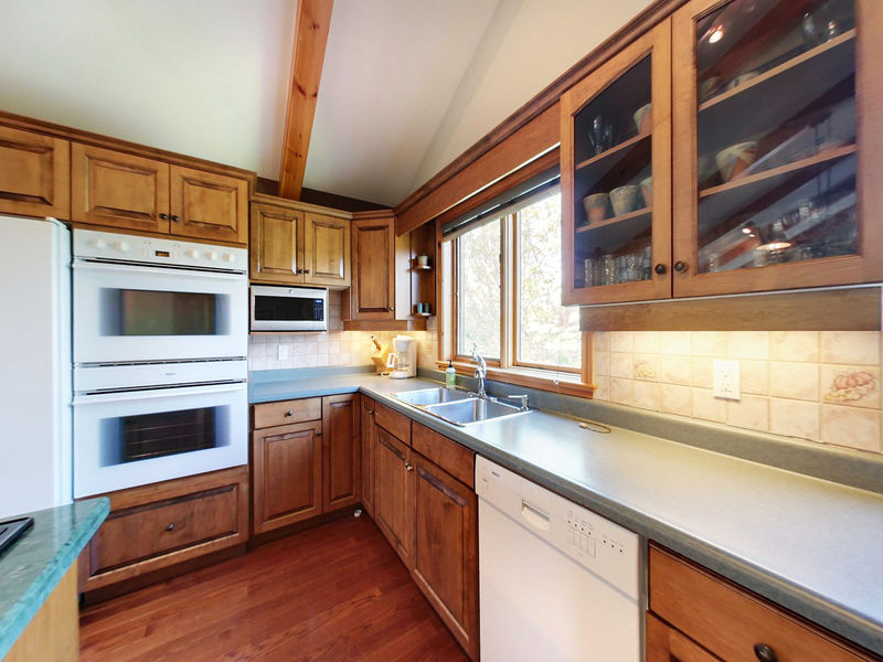 132 Brooker Blvd, Blue Mountains, Ontario  L9Y 0L4 - Photo 10 - RP9192110411