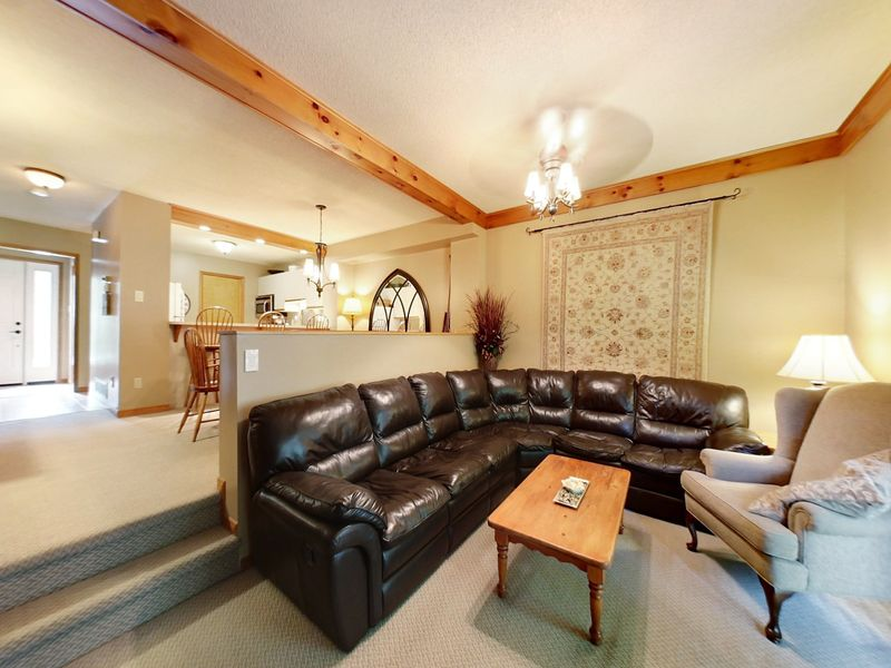 8-111 Brooker Blvd., Blue Mountains, Ontario  L9Y 0L3 - Photo 2 - RP7063810987